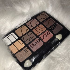 L.A. Colors Nude Eyeshadow Pallet